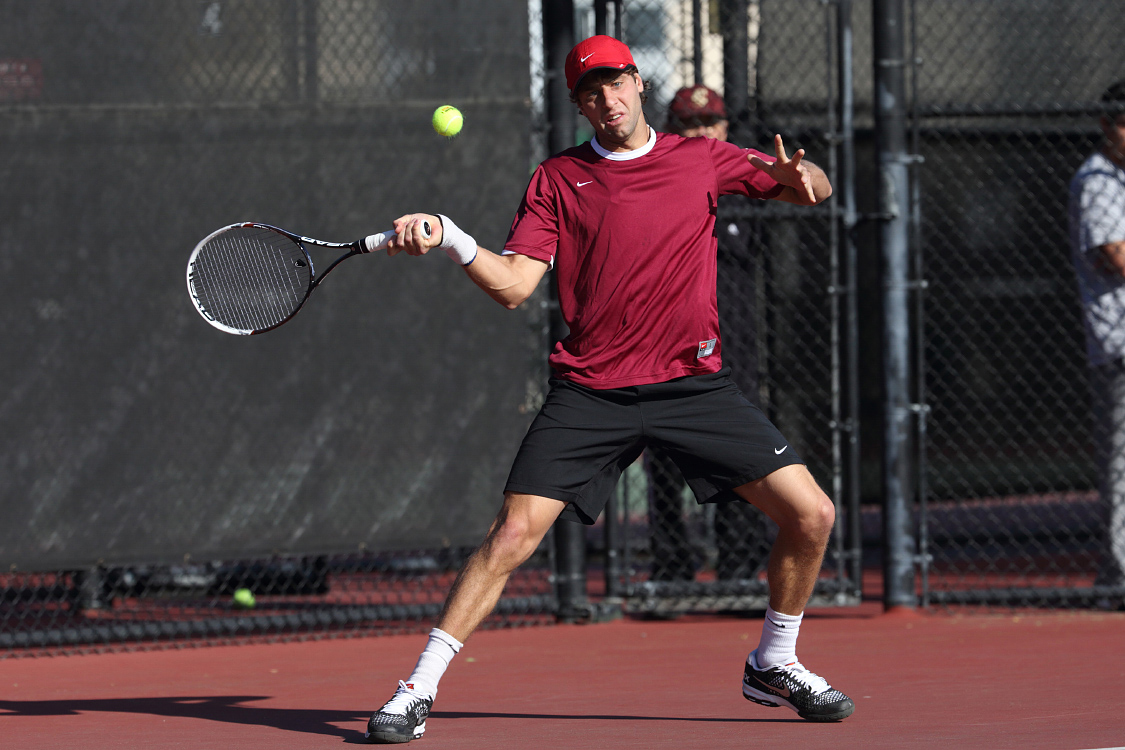No. 64 Men's Tennis Upsets No. 39 Oregon, 4-2