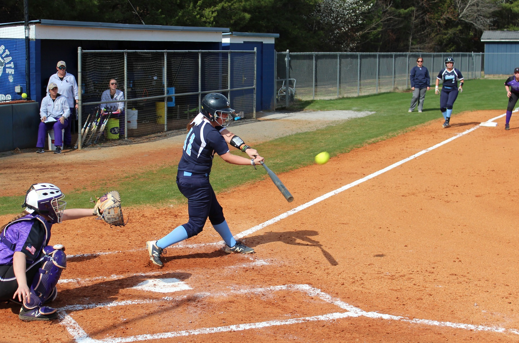 Softball Splits Series 1-1 at Roane