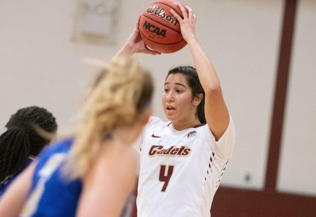 Women's Basketball: Chargers hold on against Norwich, 55-53
