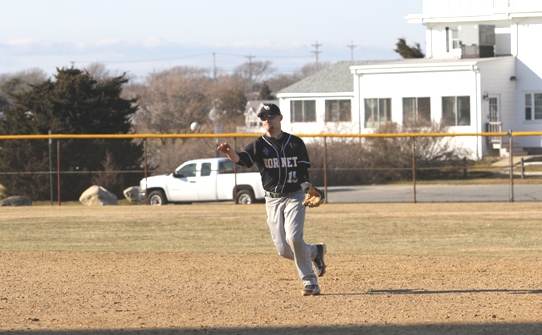 Thomas completes sweep of Lyndon