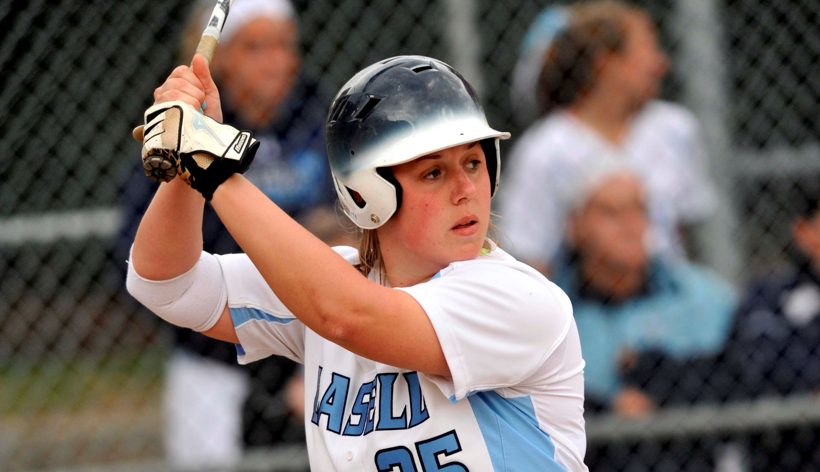 Big Innings Propel Lasell to Sweep of Gallaudet in Softball Twinbill