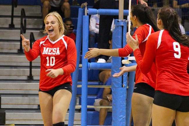 Three Set Sweep at Pima Helps #12 Mesa Volleyball Earn Right to Host Region Tournament