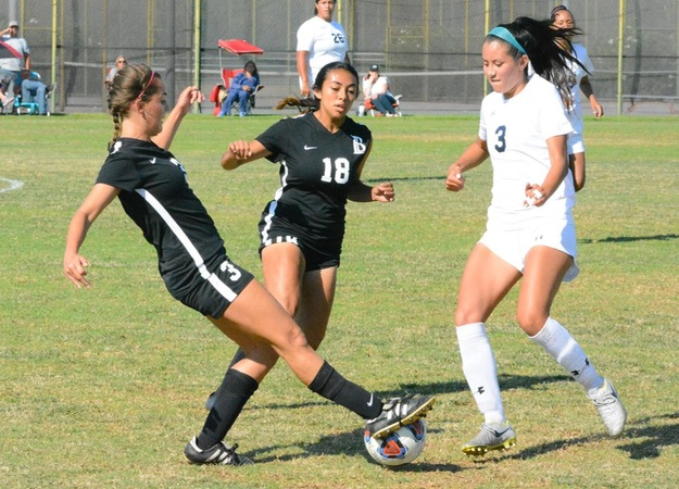 Women's Soccer Runs Past El Camino in First Conference Game
