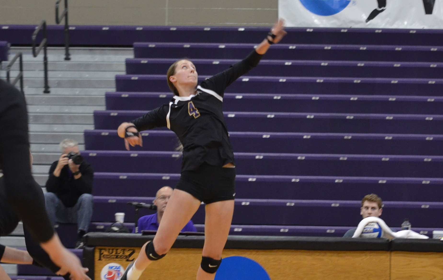 Defiance Drops First HCAC Match Against Bluffton