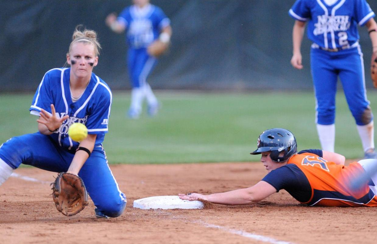 Umpire Miscue Leaves Lady Eagles Feeling Not-So-Super in 1-0 Loss