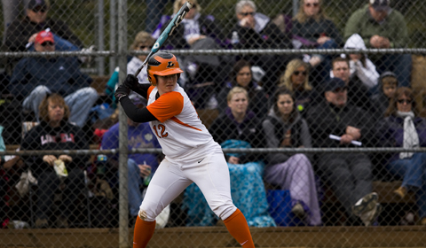 Softball  Splits Doubleheader Against Pomona-Pitzer