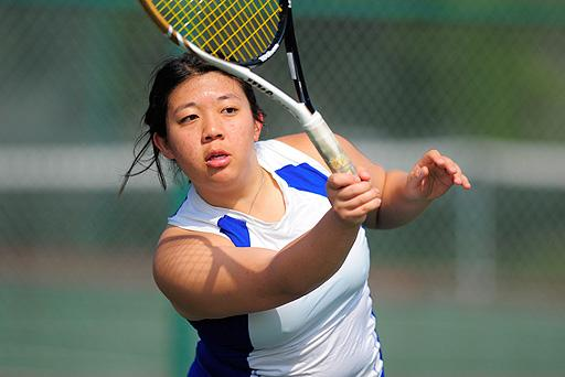 Lin Equals School Record with 18th Win in Singles Play