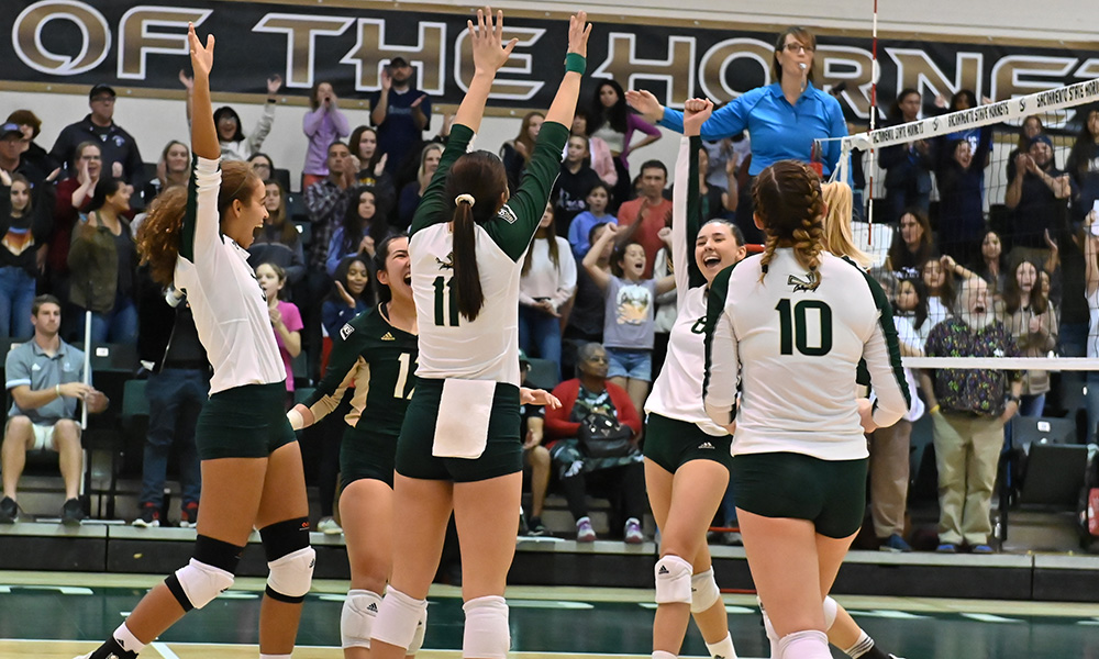 VOLLEYBALL SWEEPS IDAHO STATE IN REGULAR SEASON HOME FINALE, NOW 9-7 IN THE BIG SKY