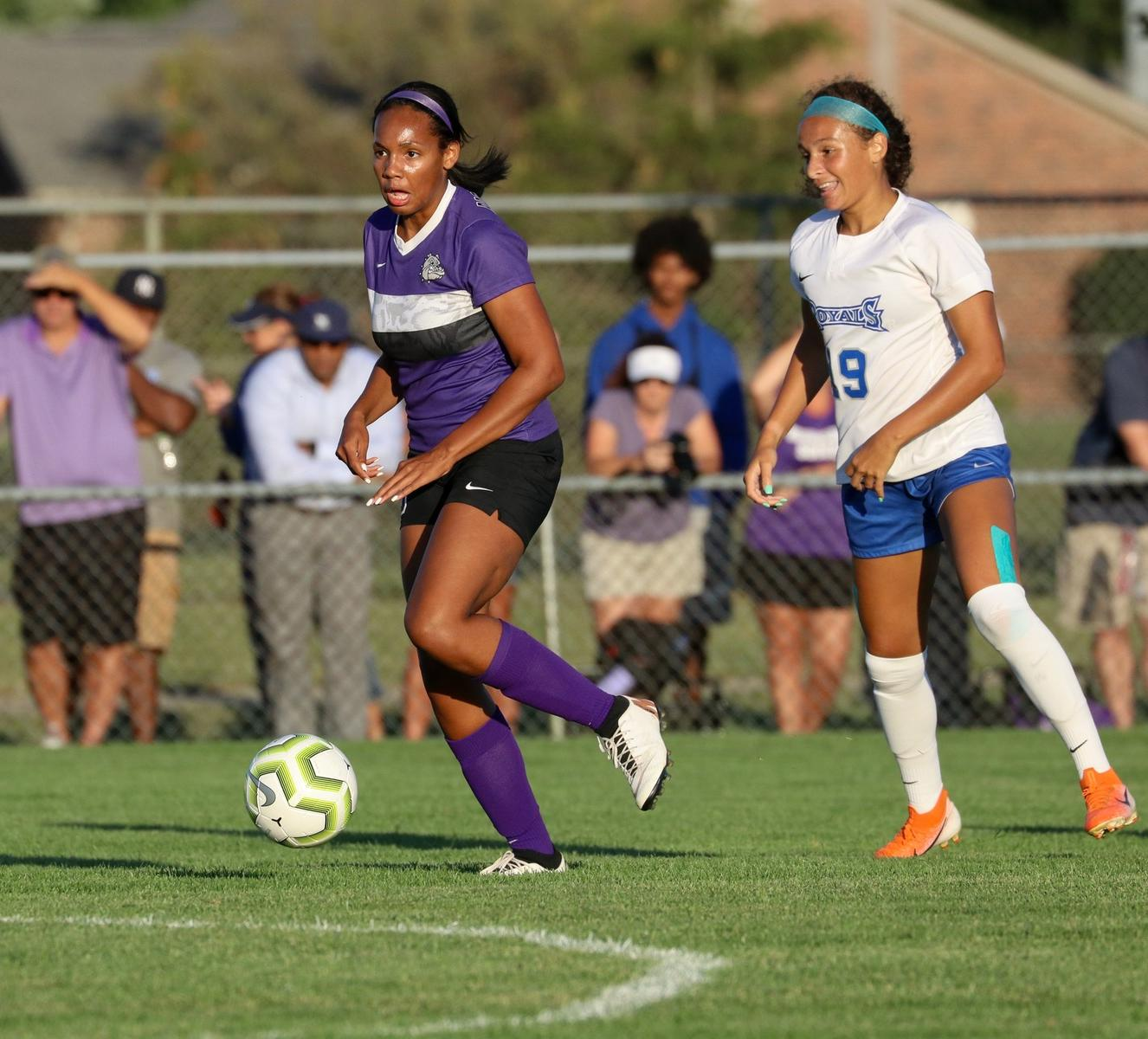 @bhsdogs_gsoccer heads to highly-touted Zionsville Invite