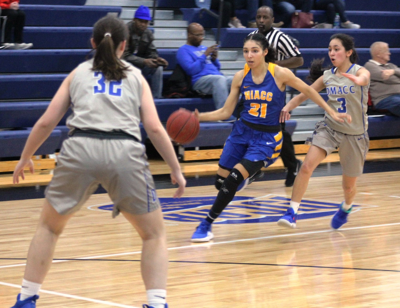 Jada Buford scored 39 points in the No. 5 Lady Trojans' win over DMACC on Wednesday.