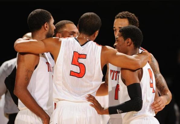 2012-13-Team-Huddle