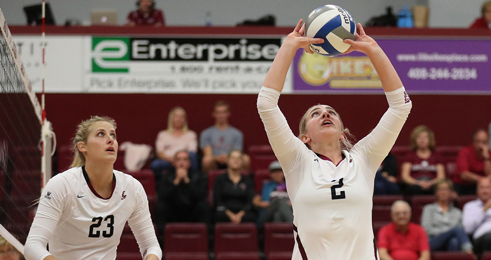 Kirsten Mead (2) tallied her 1,000th assist of the season in the first set of Friday night's sweep.