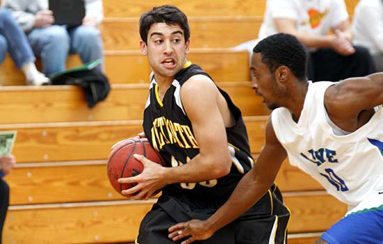 Men's Basketball Pulls Away for Second Straight Win