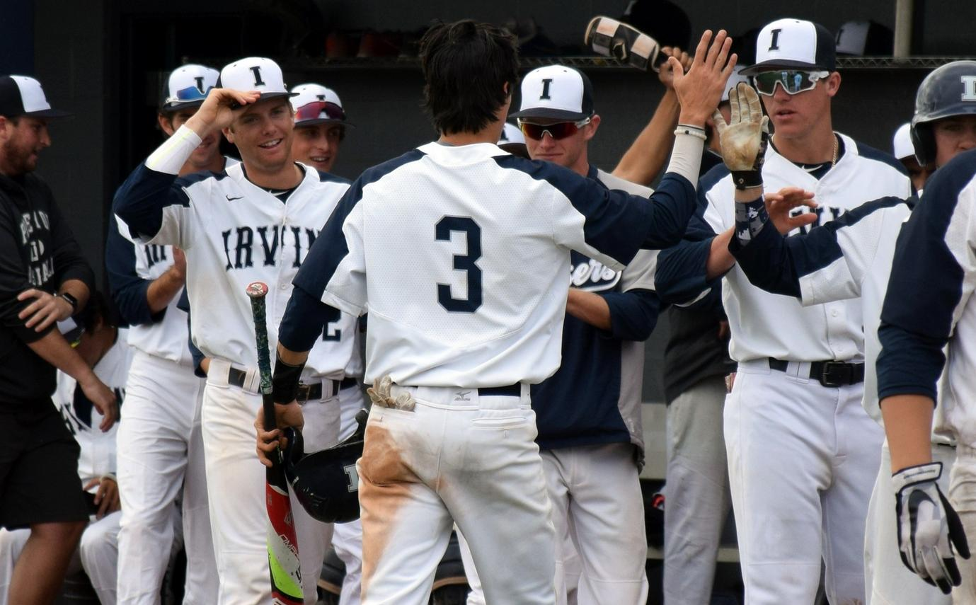 Baseball team knots series against Saddleback with solid win