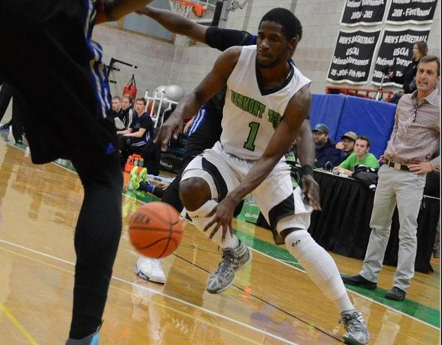 Men's Basketball Suffers Tough 75-72 Loss to Southern Vermont