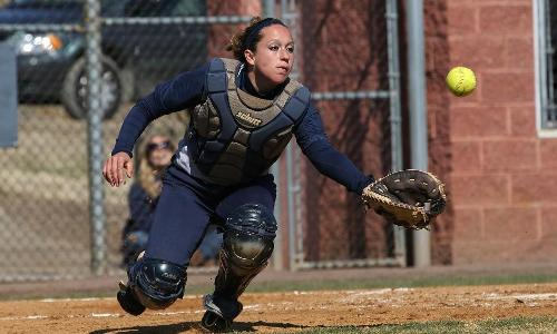 Marlins Sweep UMW in Weekday Doubleheader