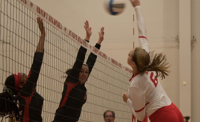 Women's Volleyball Sweeps Ripon, Prevails in Home Opener