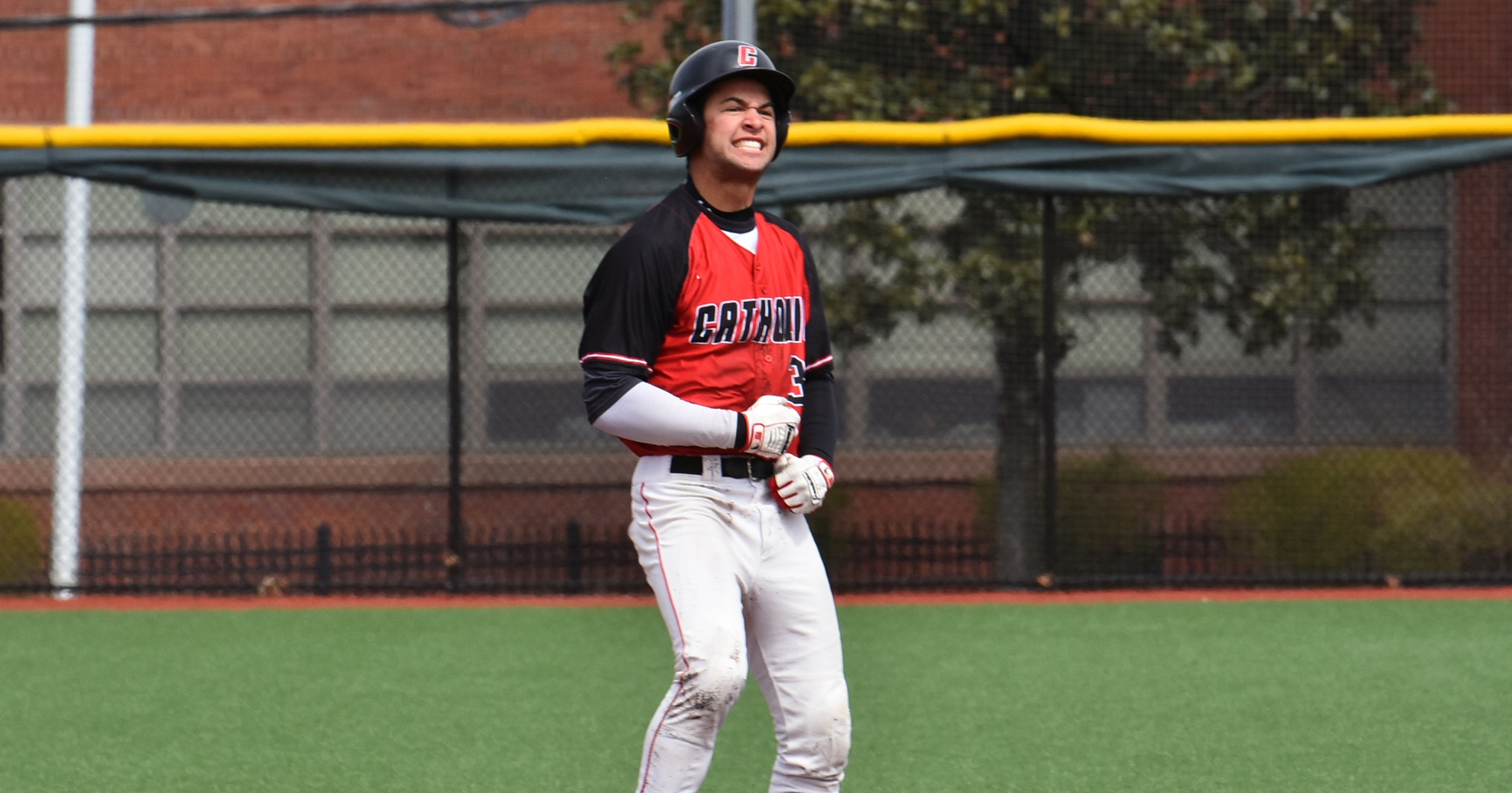 Cardinals' Hot Hitting Continues in Sweep Over Dean