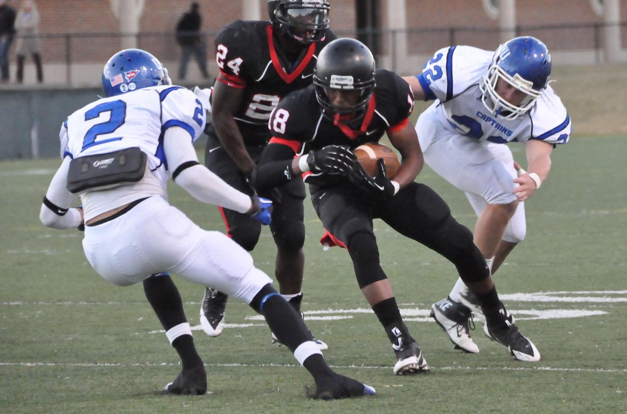 Football: Panthers, Christopher Newport lock up in defensive struggle