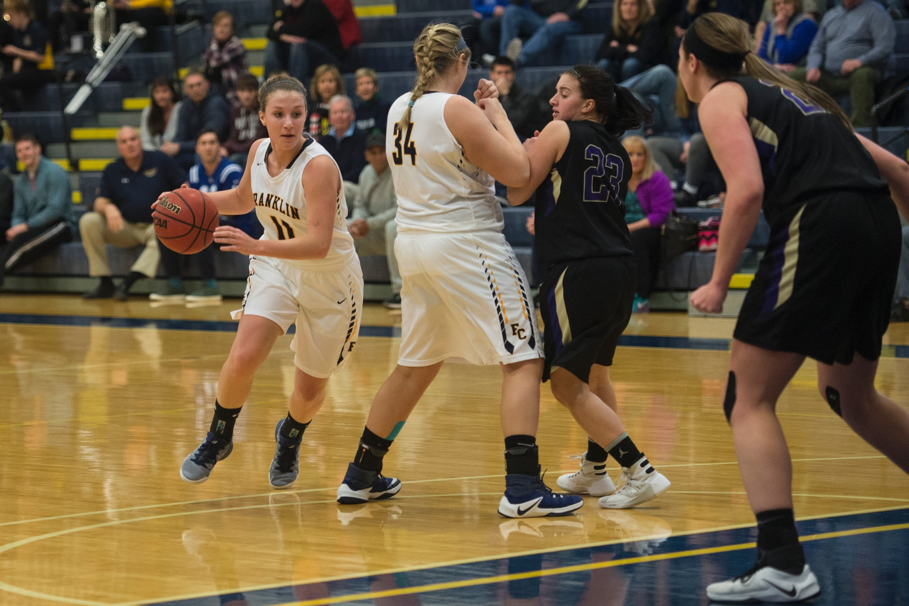 Women's Basketball Team Concludes Regular Season on Saturday