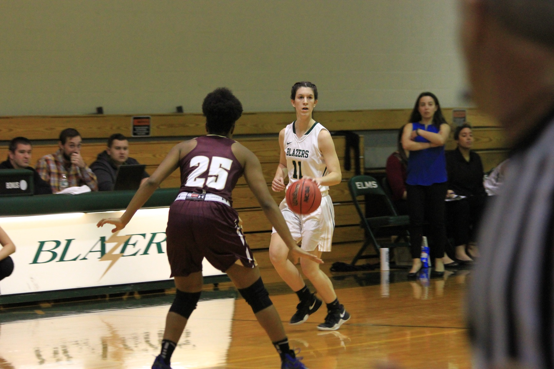 Women's Basketball Overpowered At Rhode Island College