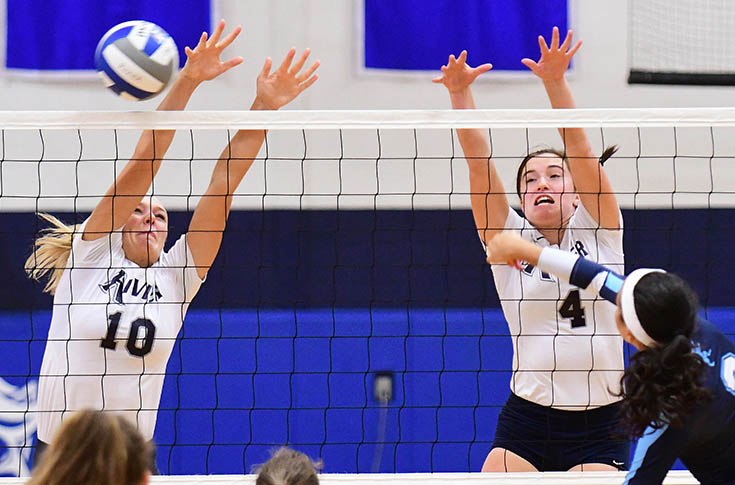 Women's Volleyball: Raiders battle to 3-1 record at Granite State Invitational