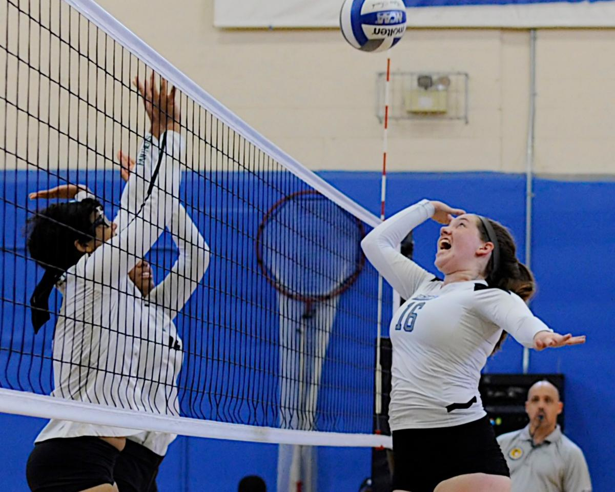 Women's Volleyball Suffers 3-0 Setback Against New Rochelle