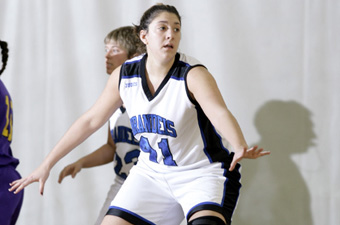 Orlando, Chapin lead women's hoops past Widener, 67-48