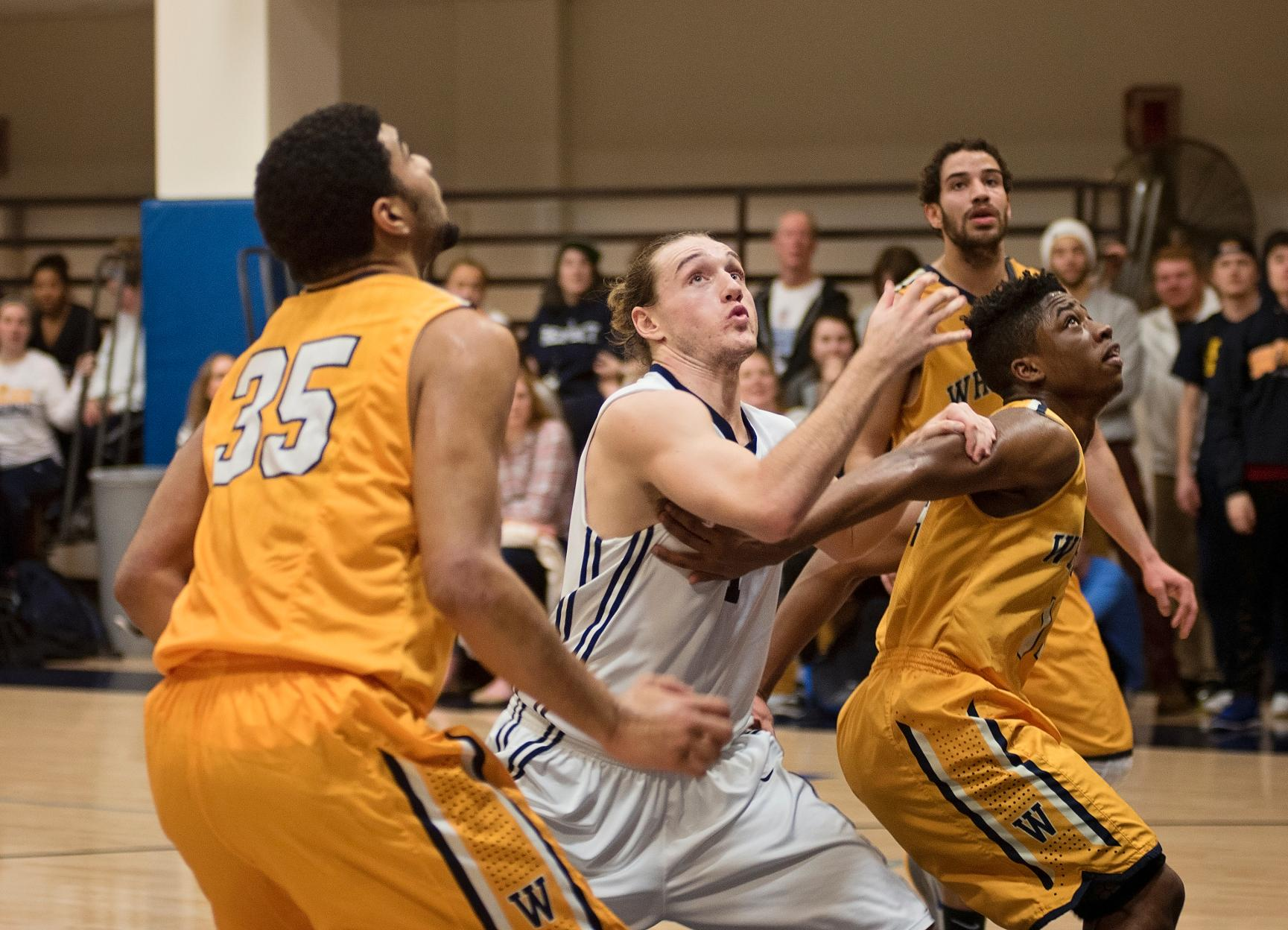 Men's Basketball Heads to Rivier for Saturday Showdown