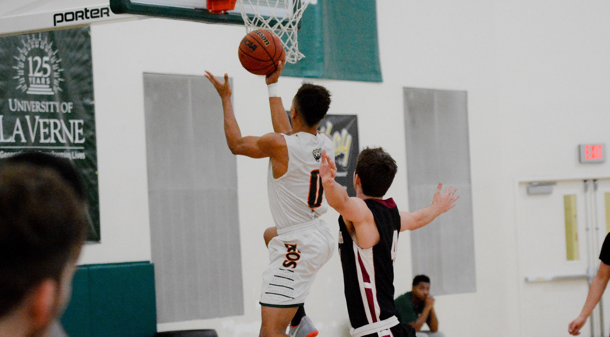 La Verne downs Redlands in SCIAC opener 99-73