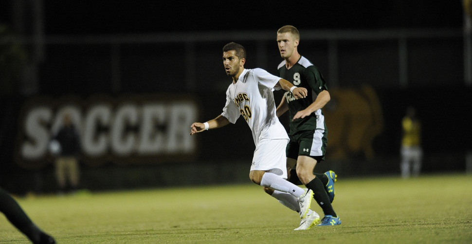 Men's Soccer Falls, 3-0, at No. 20 George Mason