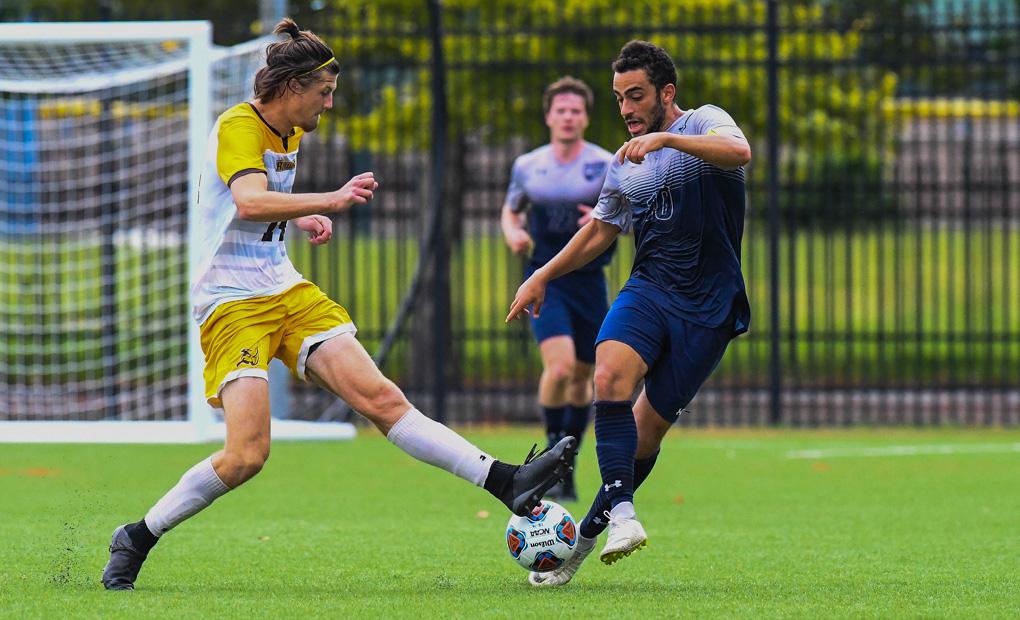 Men's Soccer Extends Win Streak with 3-0 Shutout over SUNY-Maritime