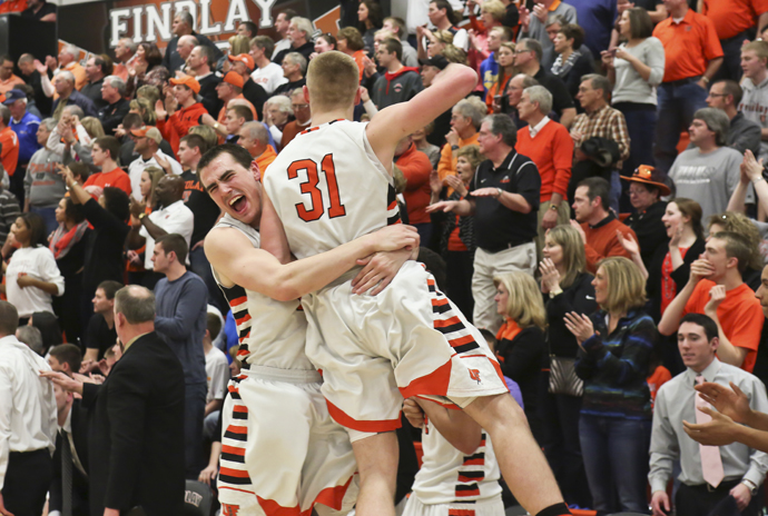 Oilers Get 1st Road Win, 65-58 at Hillsdale