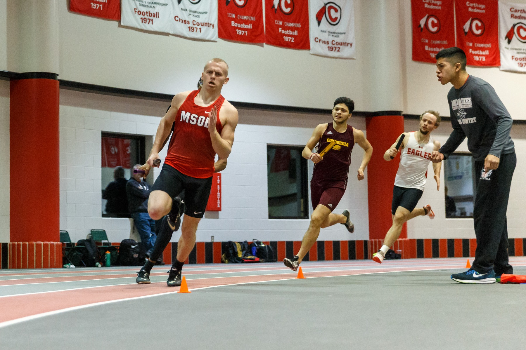 Men's Track and Field hold their own at #1 North Central College