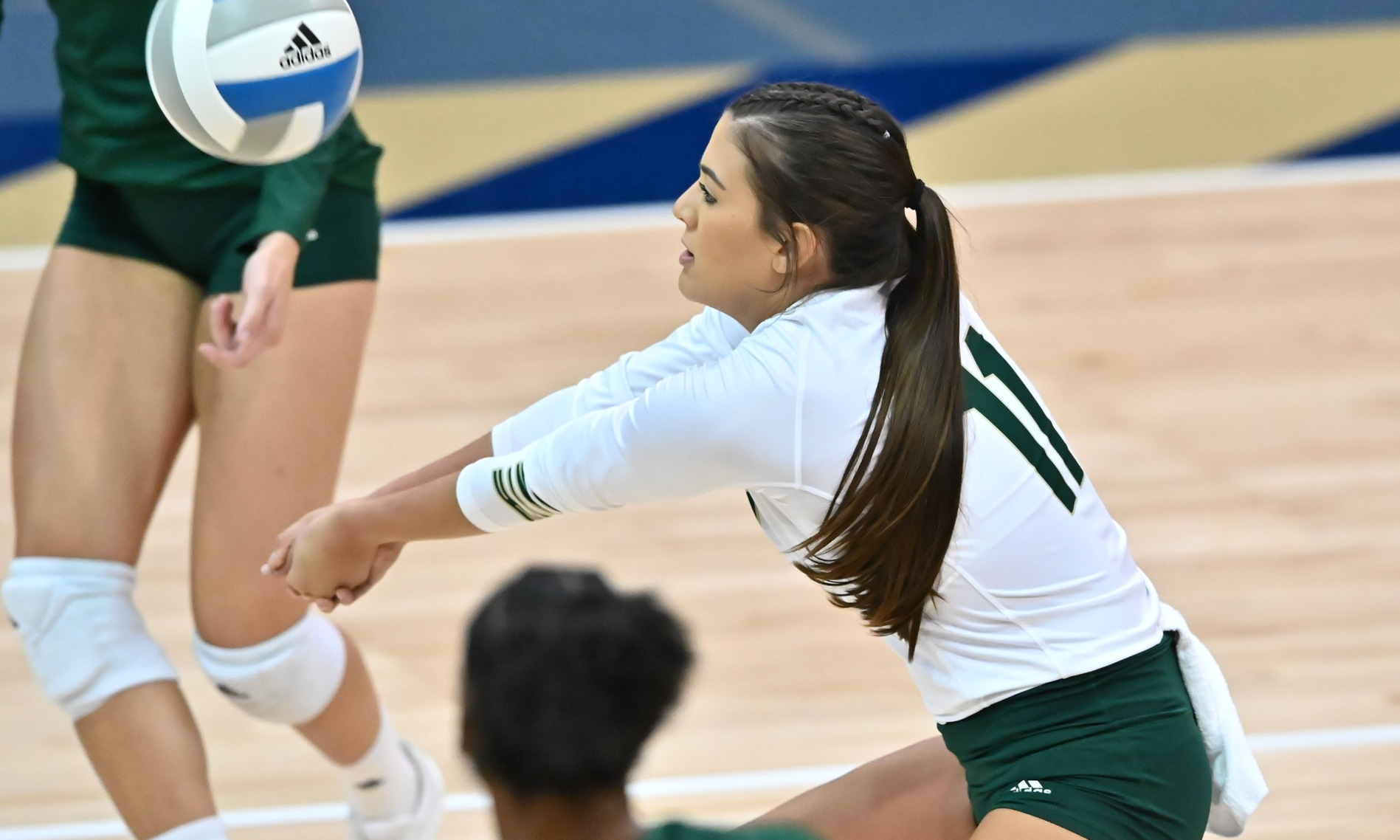 VOLLEYBALL WINS FIRST SET, BUT FALLS IN FOUR ON THE ROAD TO UC DAVIS