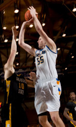 UCSB Aims to Secure No. 1 Seed in Tournament, Hosts UC Irvine Wednesday