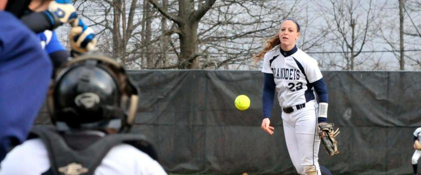 Softball gets back to winning ways with road sweep of Bowdoin