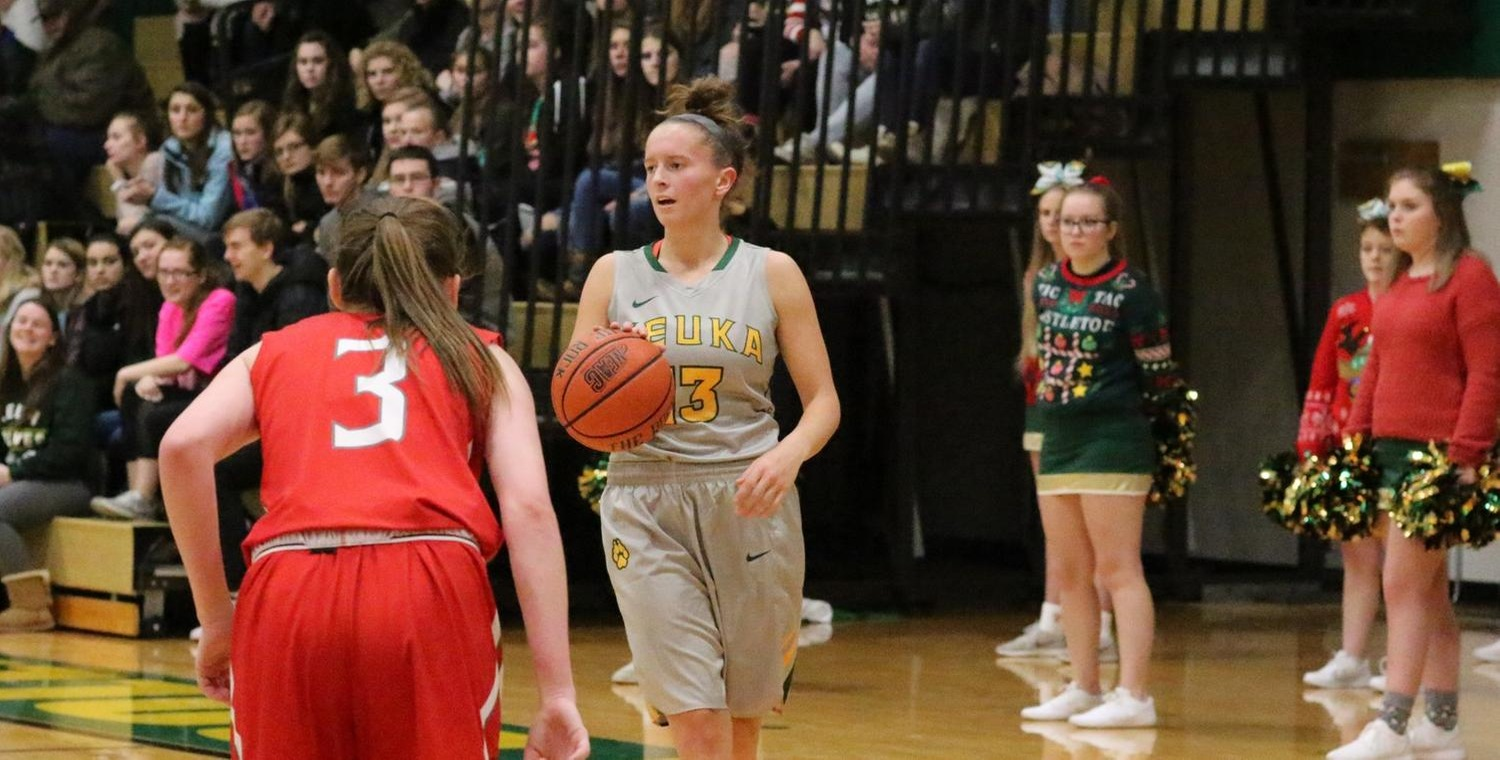Sarah Tyler (13) had 5 steals on Saturday as the Keuka College defense posted a season-high 17 against Penn St.-Berks
