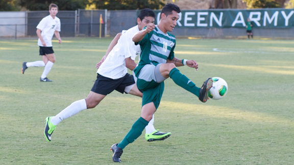 MEN'S SOCCER EDGED BY UC RIVERSIDE 1-0
