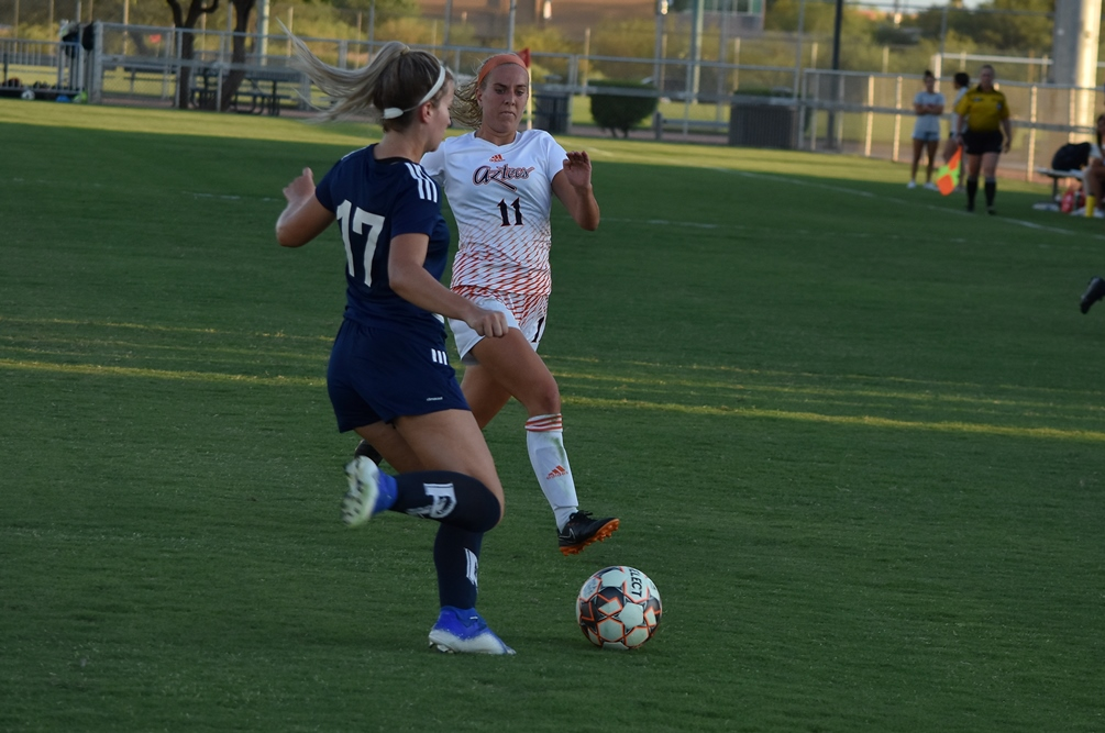 Freshman Nikki Suckell (Ironwood Ridge HS) helped the defense gain another shutout and she had an assist in Pima's 4-0 win over South Mountain Community College. The Aztecs evened up their record at 2-2 on the season. Photo by Ben Carbajal