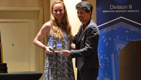 CWRU's Katie Wede Wins Elite 90 Award for NCAA Division III Softball Championships