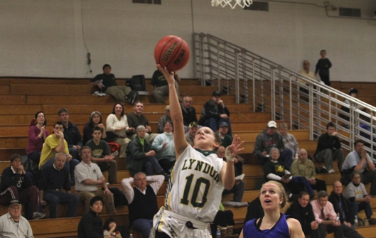 Colby-Sawyer women defeat Lyndon