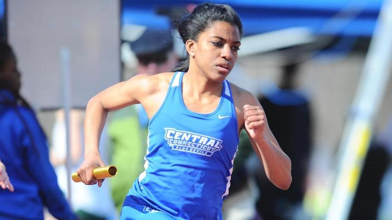 Women's T&F Concludes Minutemen Invitational