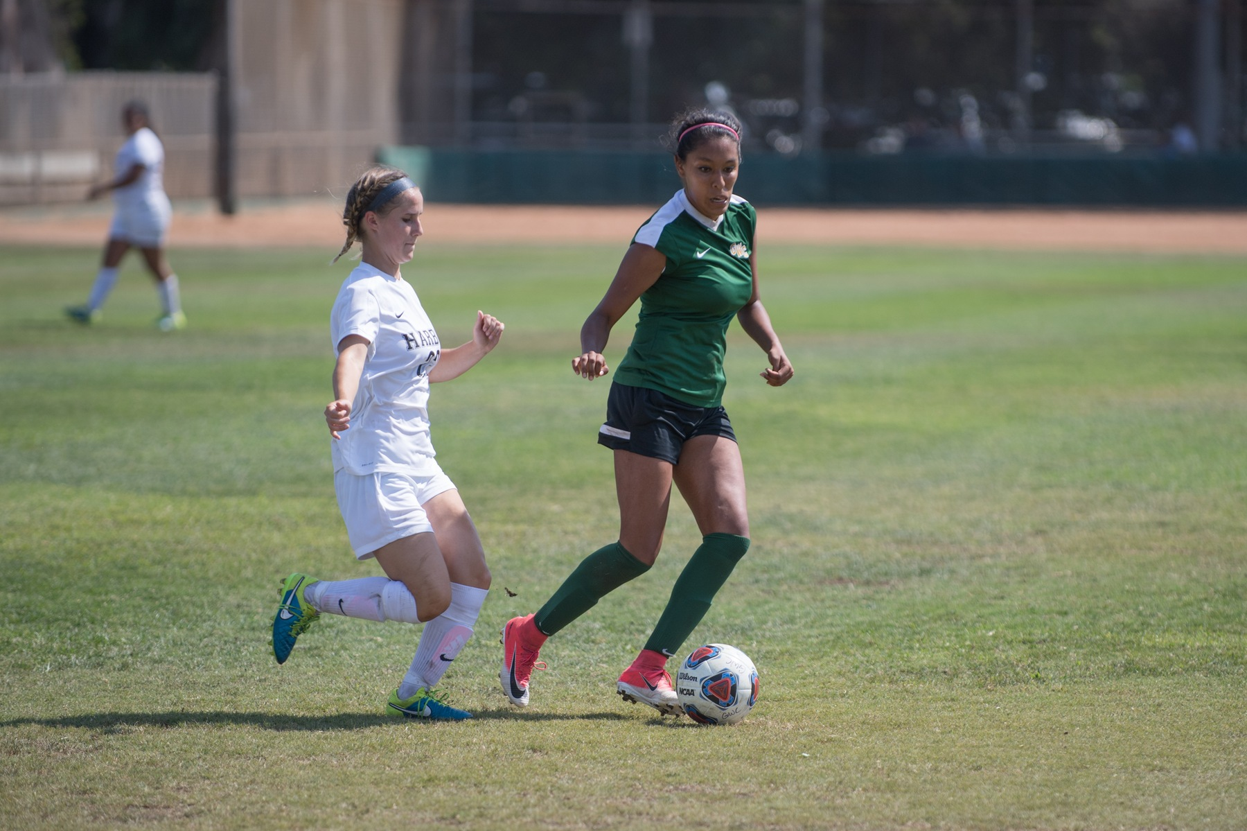 W Soccer: Offense Explodes for Five Goals in Shutout Win
