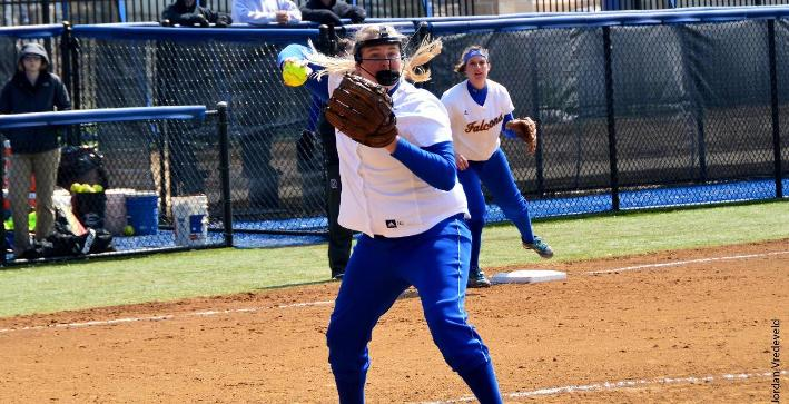 Softball splits on opening day of Finlandia Dome Tournament