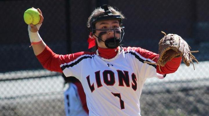 Softball Wraps Up Regular Season with Two Losses at Salve Regina
