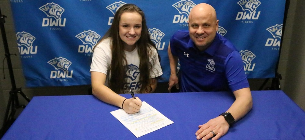 Burns inks with DWU women's basketball