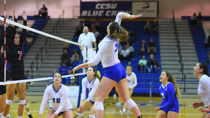 Volleyball Sweeps Saint Francis U on Friday Night