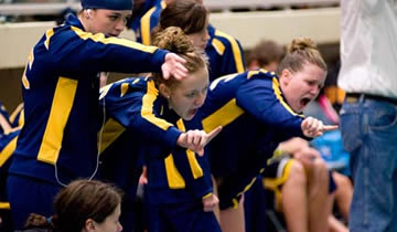 Women's Swimming & Diving Dominates in Victory over Oshkosh