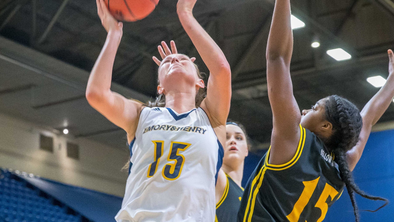 Wasps Fall to Messiah in NCAA Women's Basketball Second Round